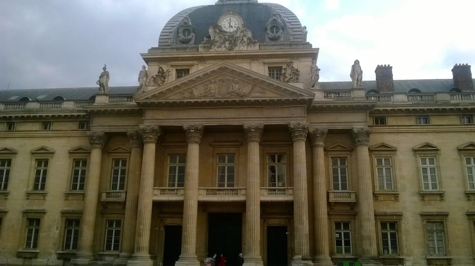 paris ecole militaire back mar14