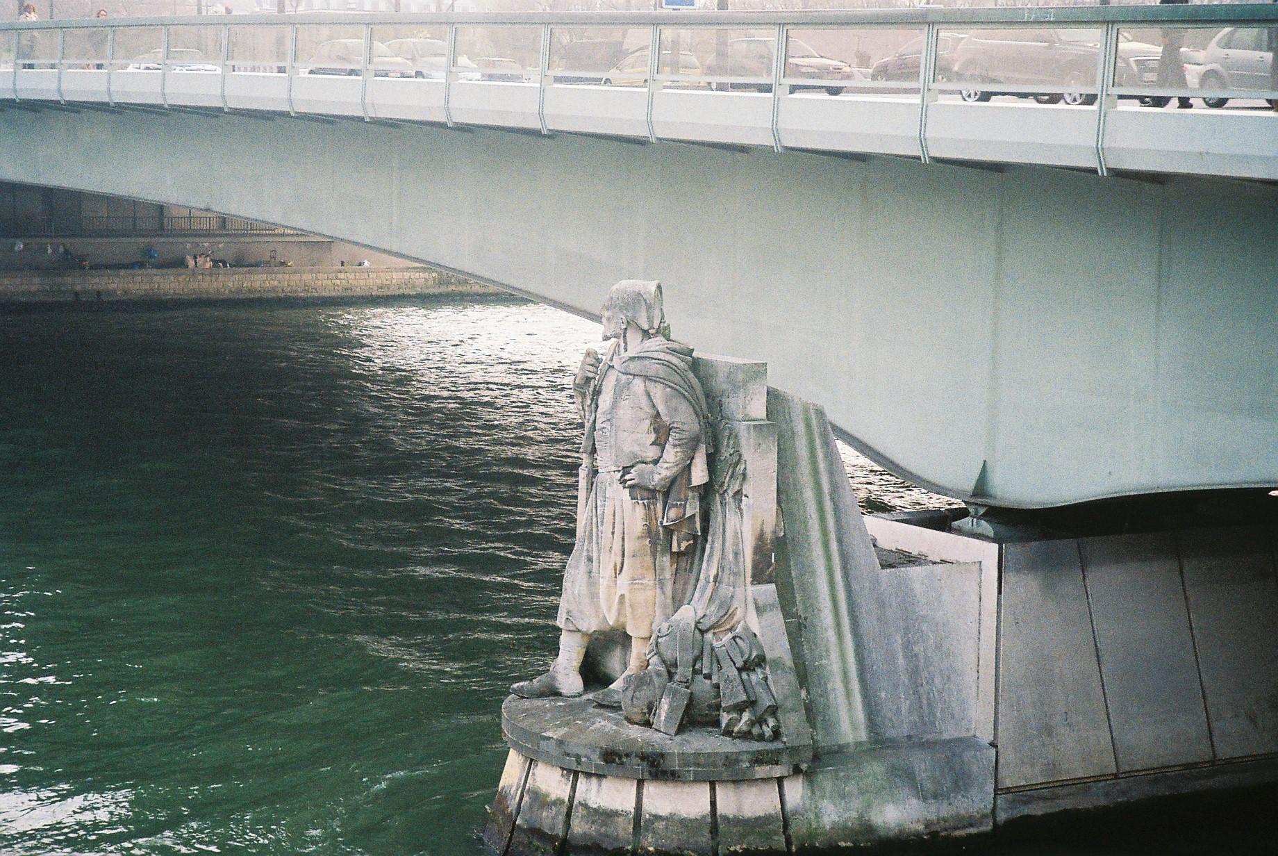 paris-zouave-du-pont-de-lalma-avr10