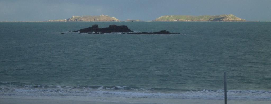 perros-guirec-plage-de-trestrignel-out-to-sea-mar16