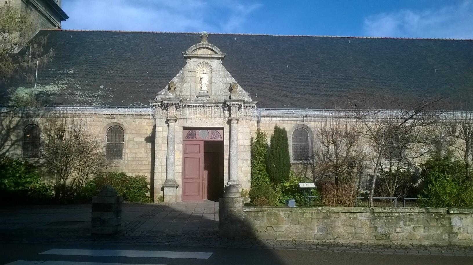 ploemeur-ch-st-pierre-side-entrance-jan18