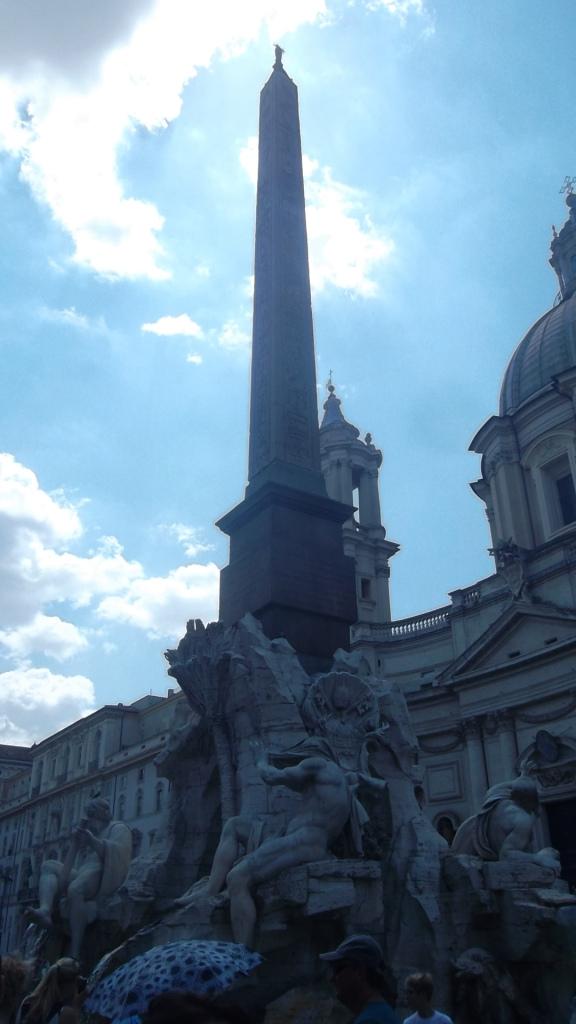 roma-piazza-narvonna-fountain-aug13