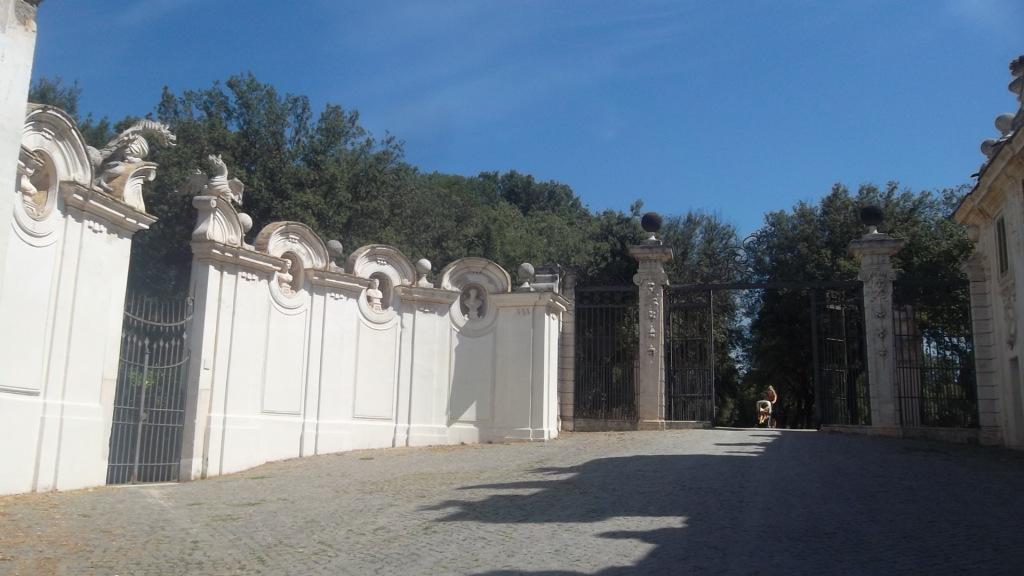 roma-villa-borghese-ent-gardens-aug13