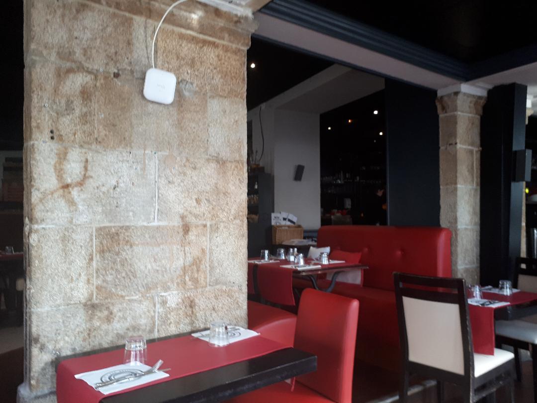 vannes-le-gambetta-dining-room-oct18