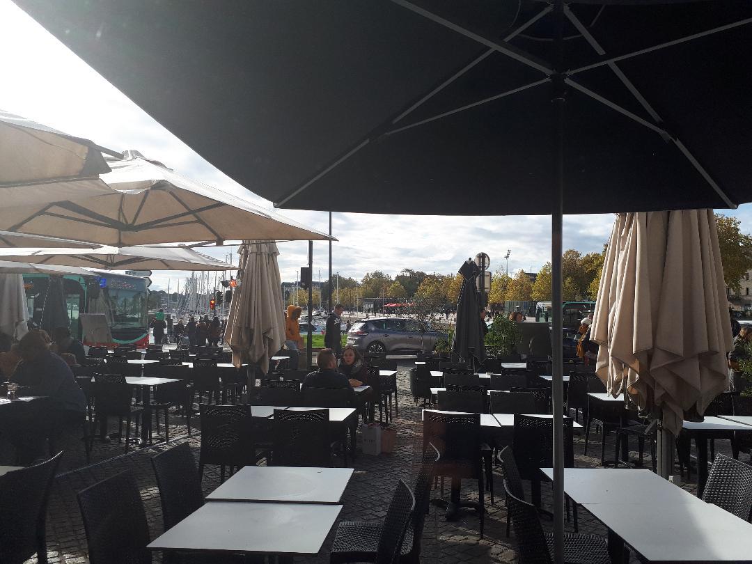 vannes-le-gambetta-terrace-le-port-oct18