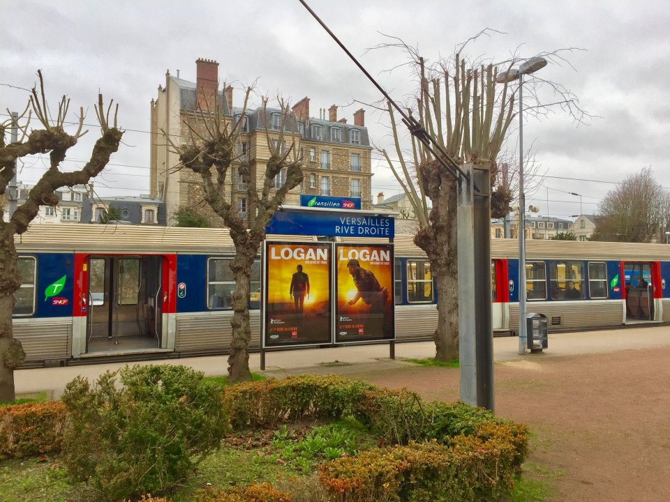 Versailles gare rive-droite-platform-trains