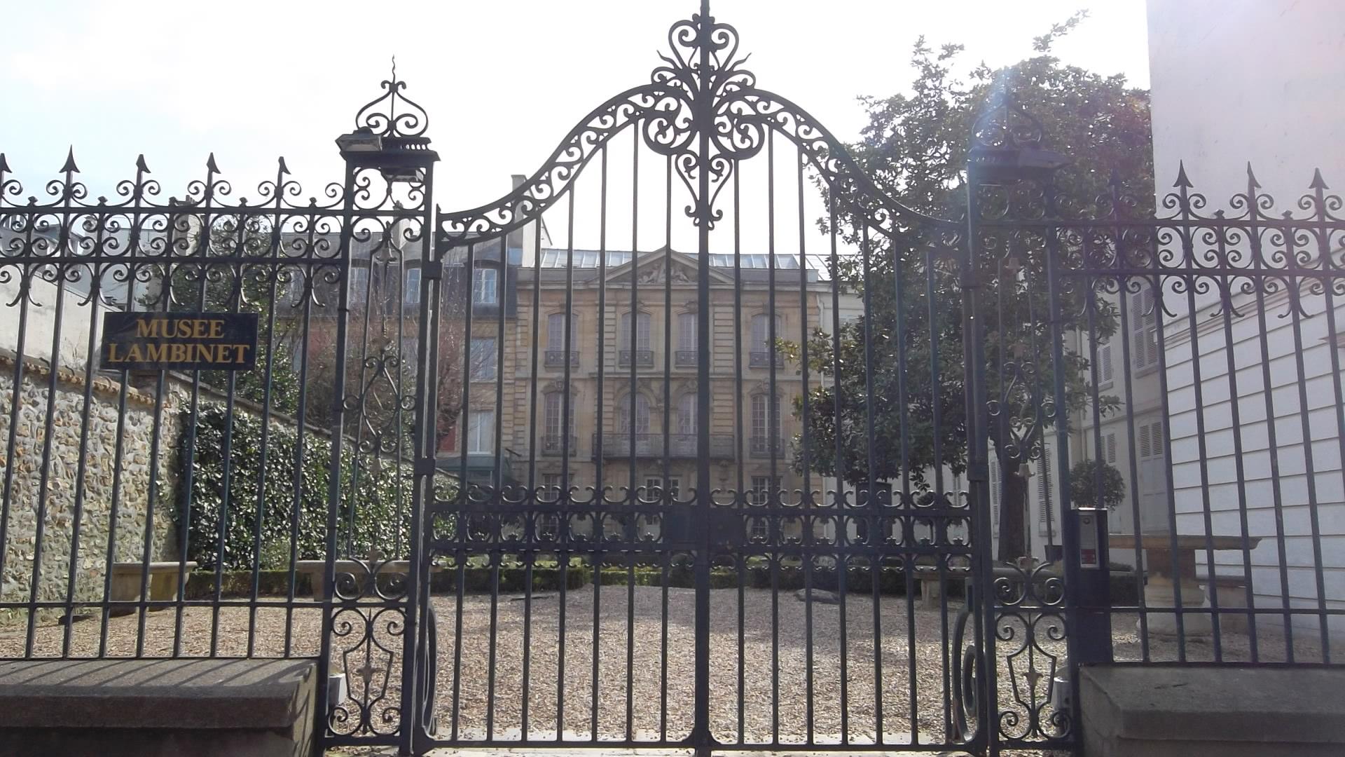 Versailles-musee-lambinet-front-ent-mar13