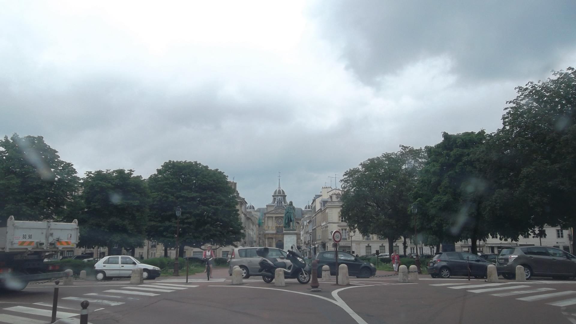versailles-pl-hoche-and-notre-dame-jun12