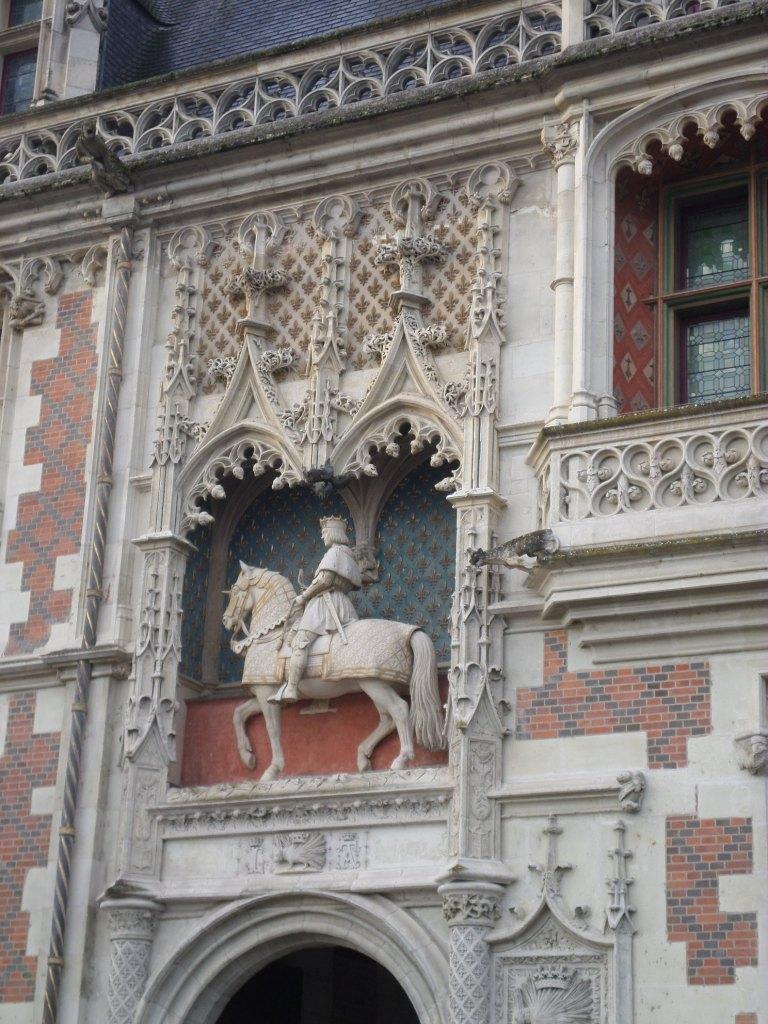 blois-chateau-front-statue-francois-i-dec15