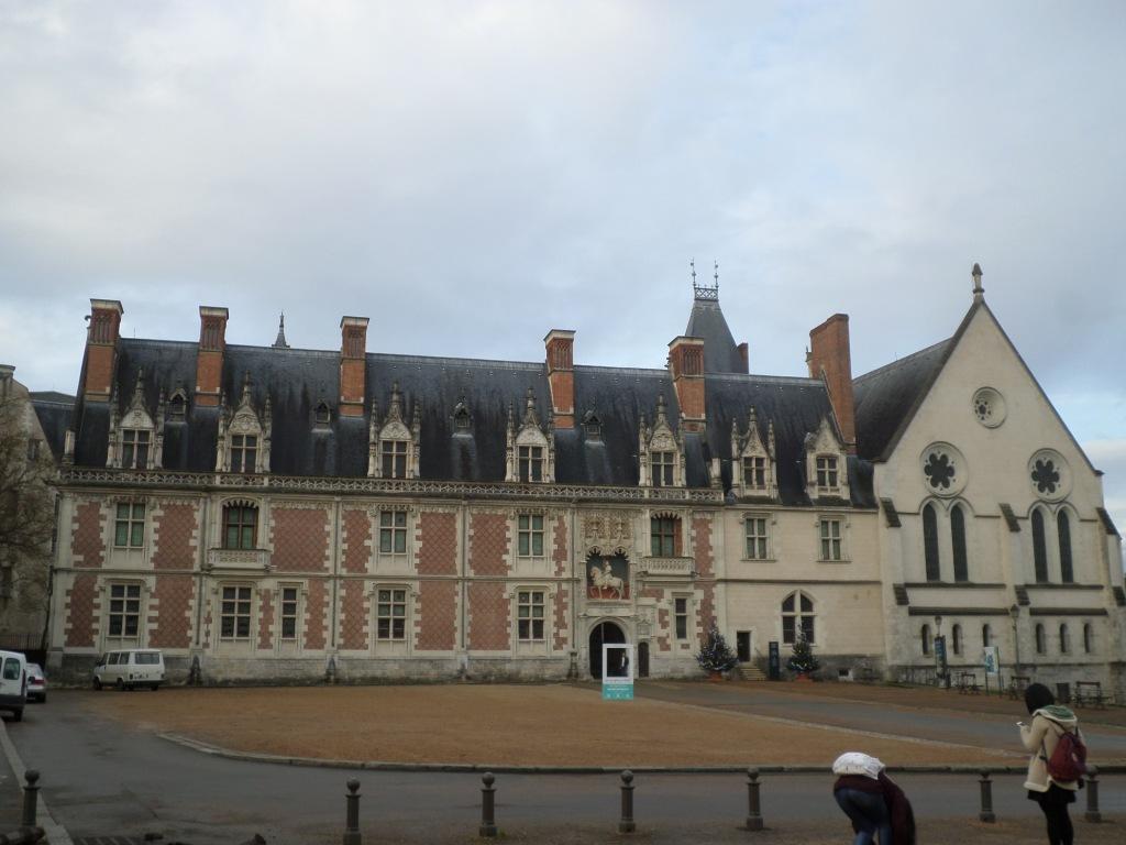 blois-chateau-main-square-dec15
