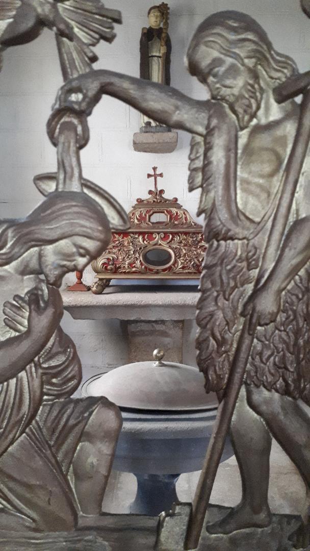 clohars-carnoet-ch-notre-dame-de-trogwall-baptismal-chapel-apr19
