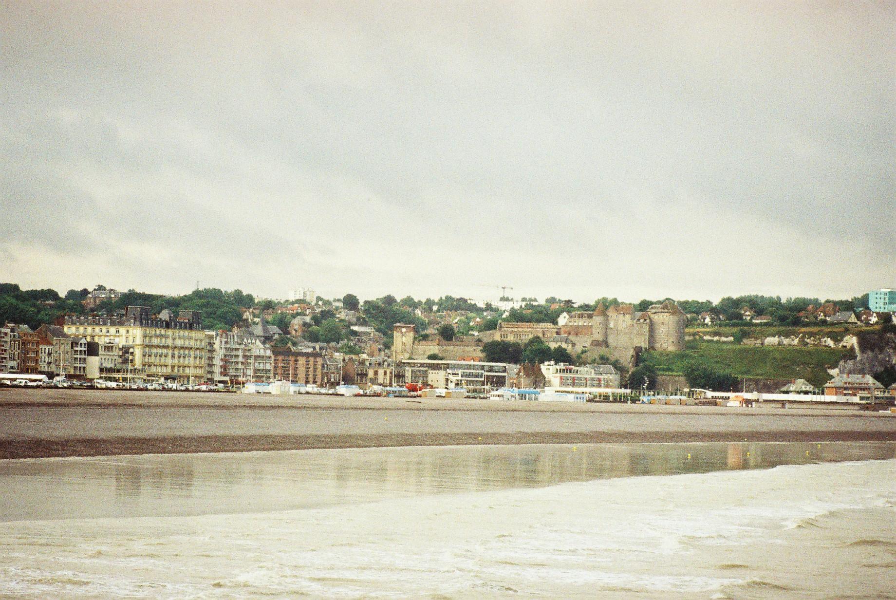 dieppe beach to castle and bd Verdun sep07