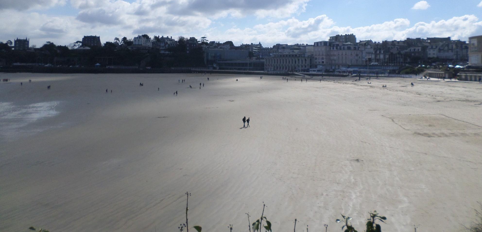 dinard-plage-de-l-ecluse-up-pool-apr15