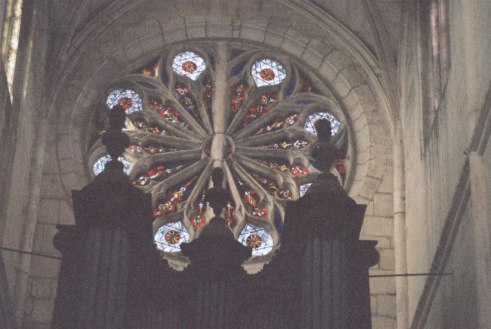 houdan-altar-rosary-window-ch-st-jacques-et-st-christo