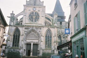 houdan-ch-st-jacque-st-chirst-front