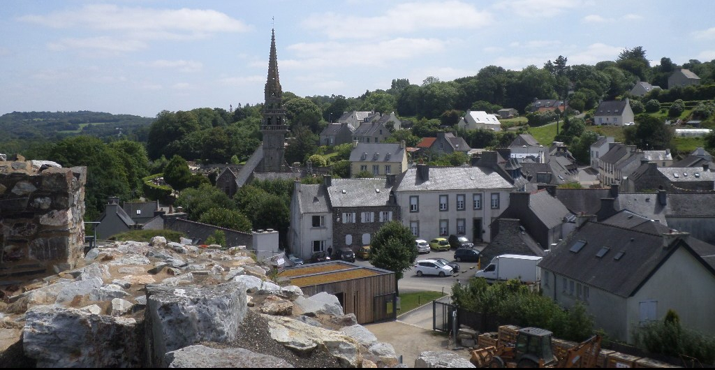 la-roc-maurice-castle-to-city-and-ch-st-yves-jul17