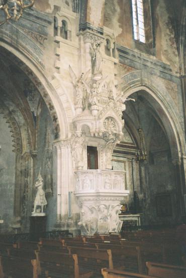 lavaur-cat-st-alain-angels-pedestal-bishops-seat