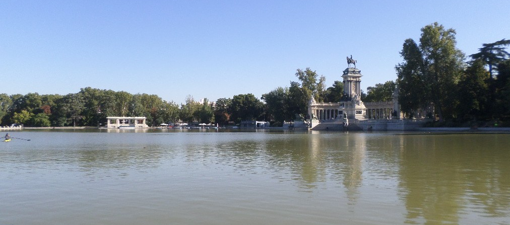 mad-retiro-park-boat-to-lake-rental-and-alfonso-xiii-aug16