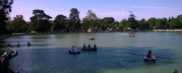 mad-retiro-park-lake-boats-restos-may16