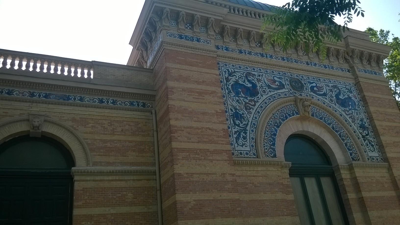 mad retiro park palacio de velazquez left side may16