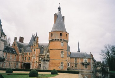 maintenon chateau from back garden apr11