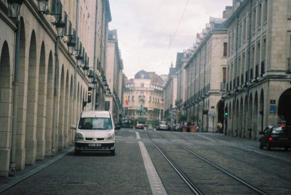 orleans-rue-royale-at-place-du-martroi-statue-jeanne-d-arc