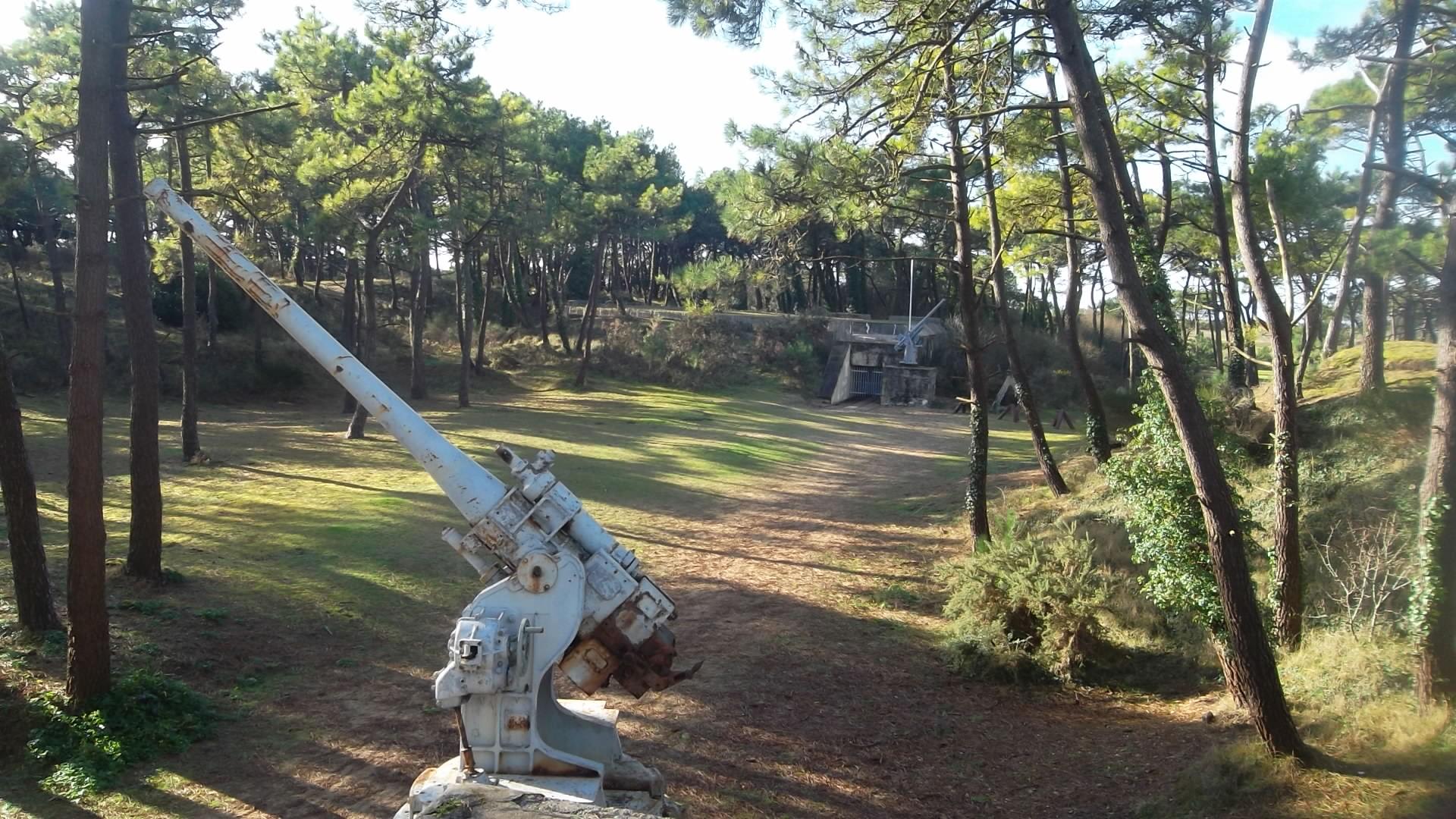 Plouharnel bunker gun turret of WWII mus jan14