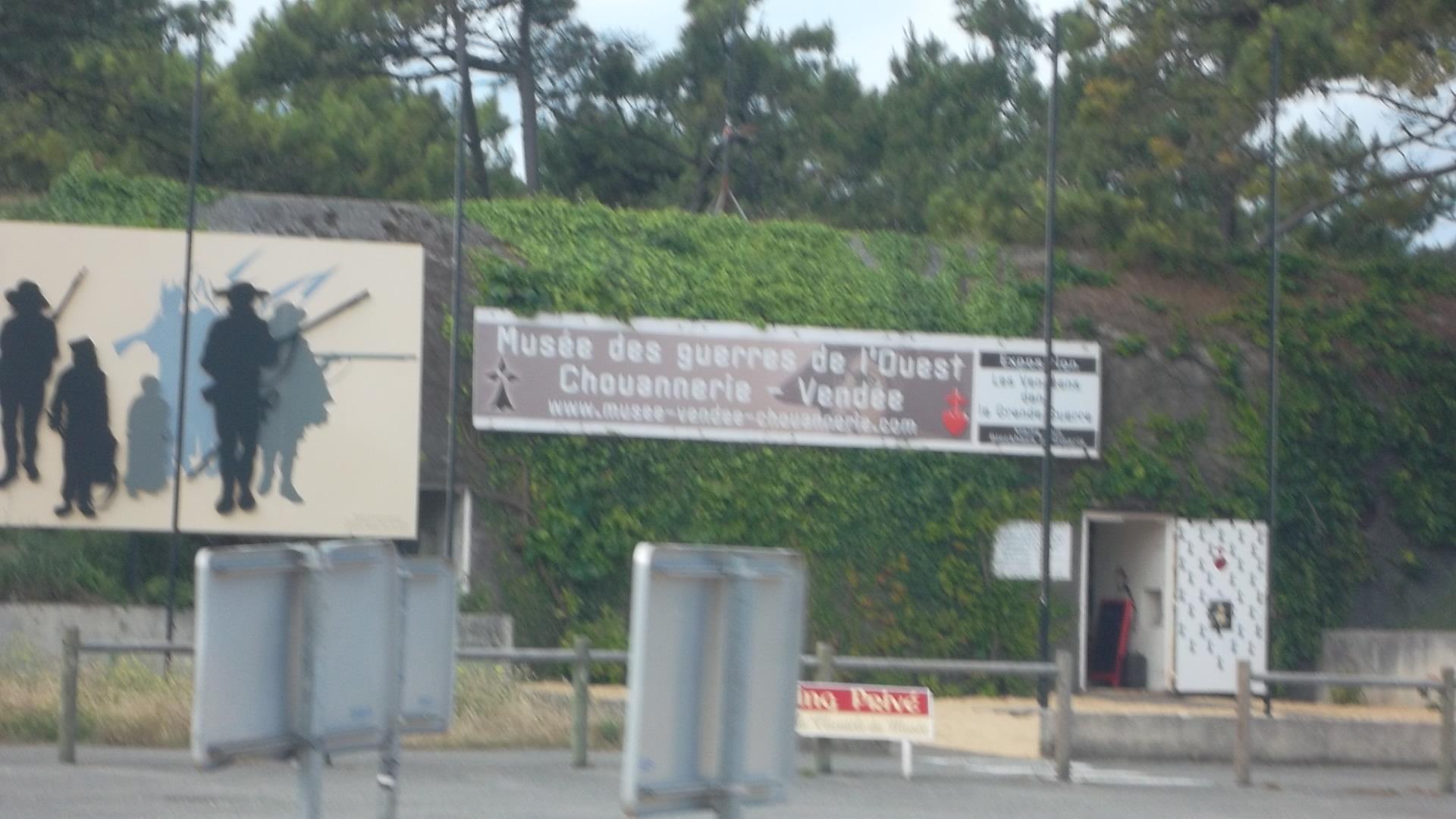 Plouharnel musee guerre de l'ouest jun12