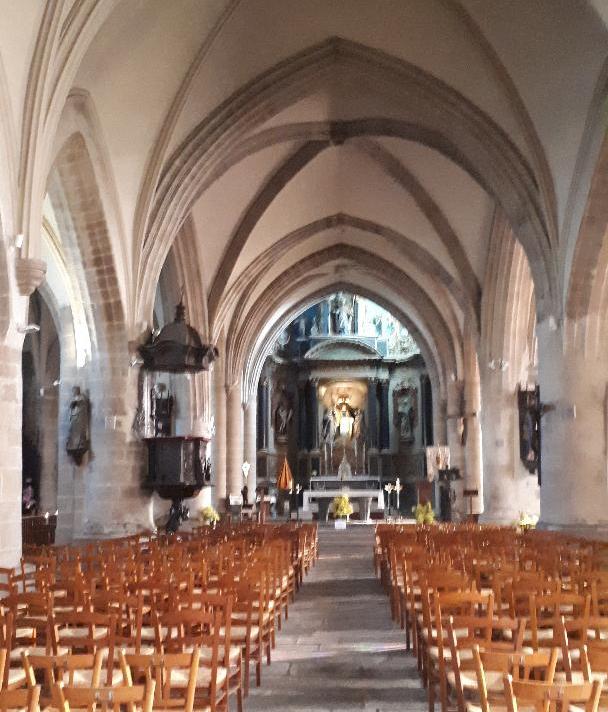 pontivy-ch-nd-de-joie-nave-to-altar-feb20