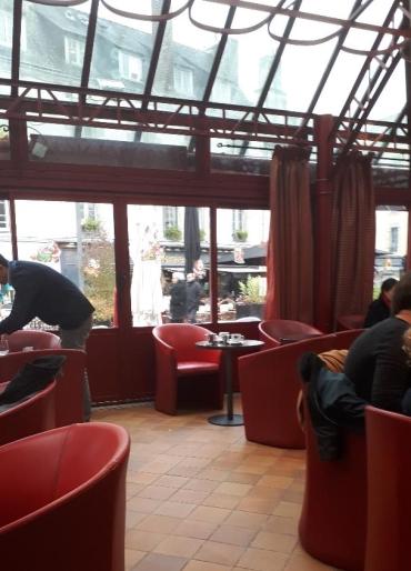 quimper-taverne-des-halles-side-inside-dec19