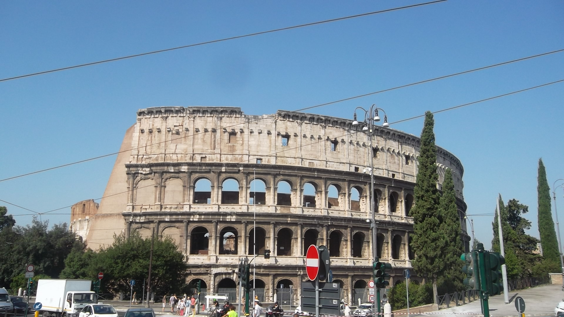 roma-colosseo-from-domus-aurea-aug13