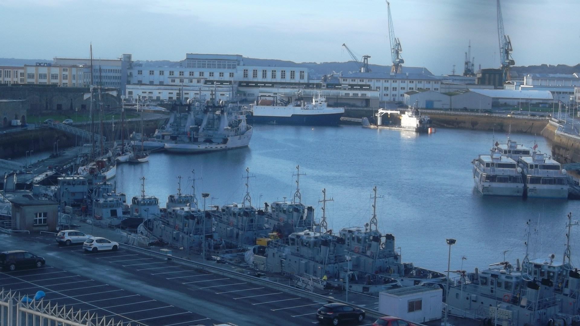 brest-base-naval-complete-nov13