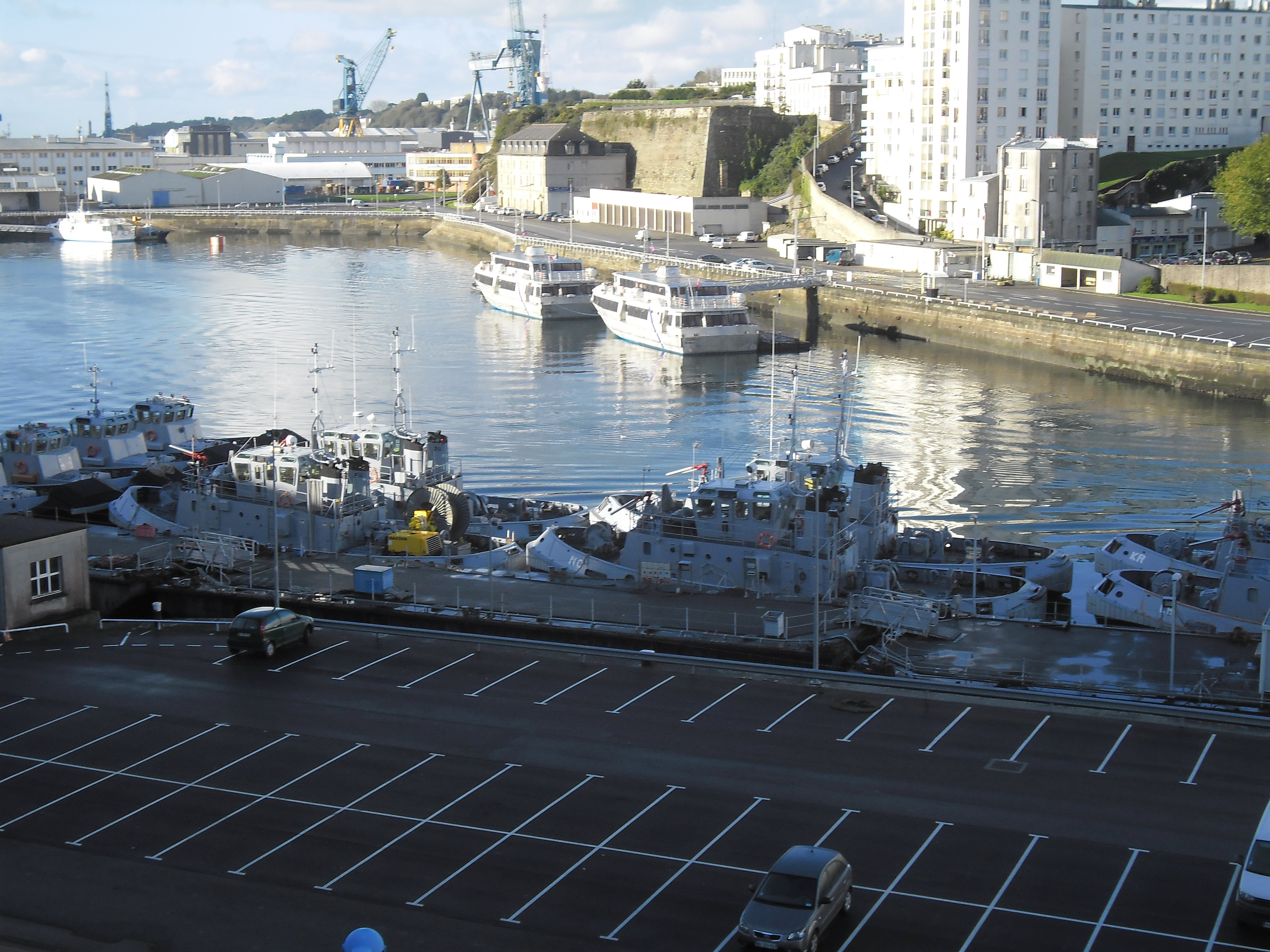 brest-base-navale-port-nov12