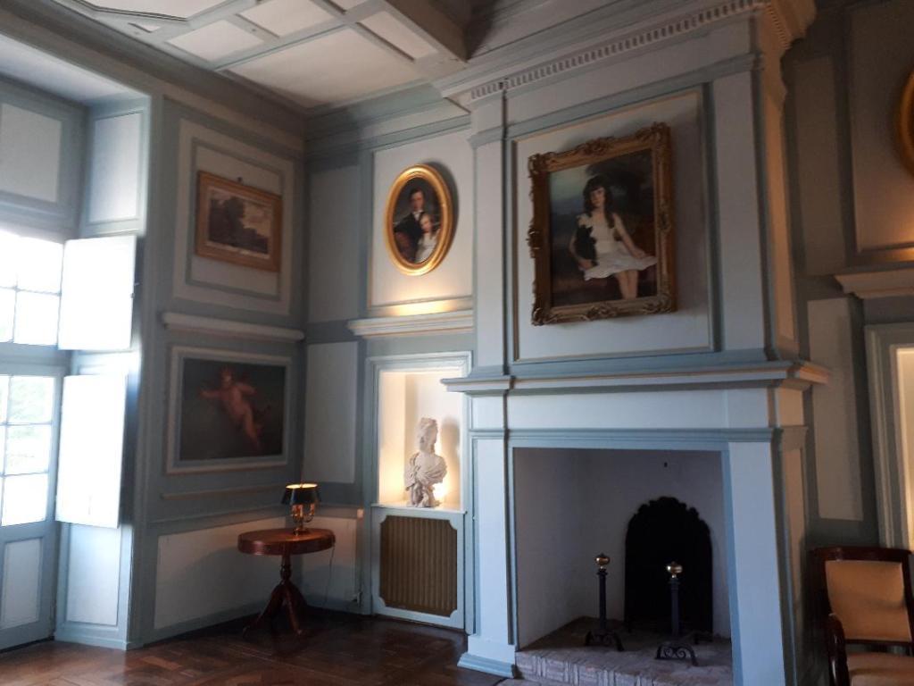 chateau-goulaine-bedroom-1-aug18