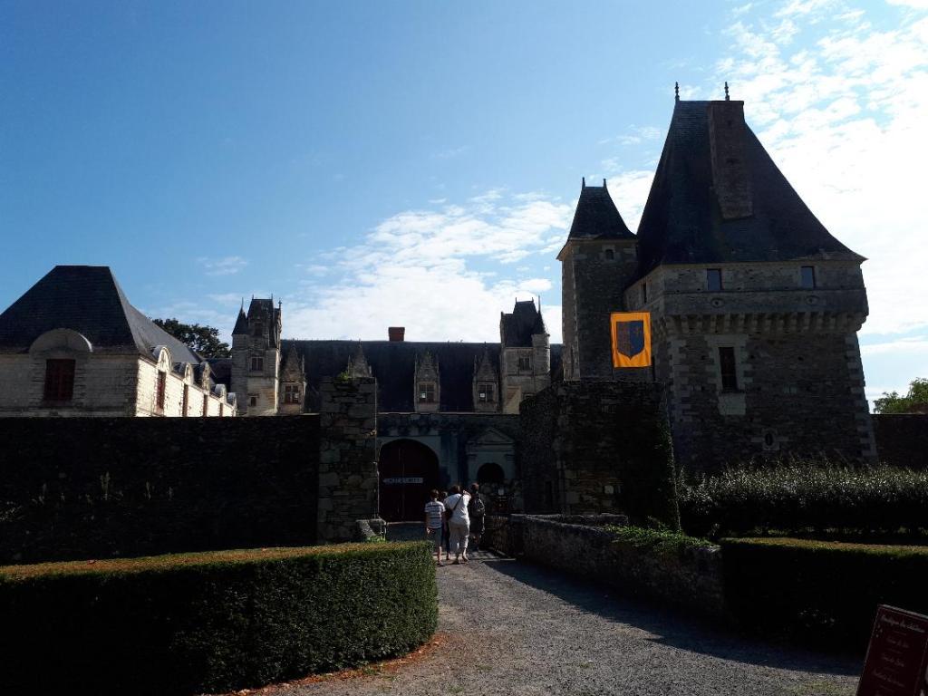 chateau-goulaine-castle-entrance-aug18