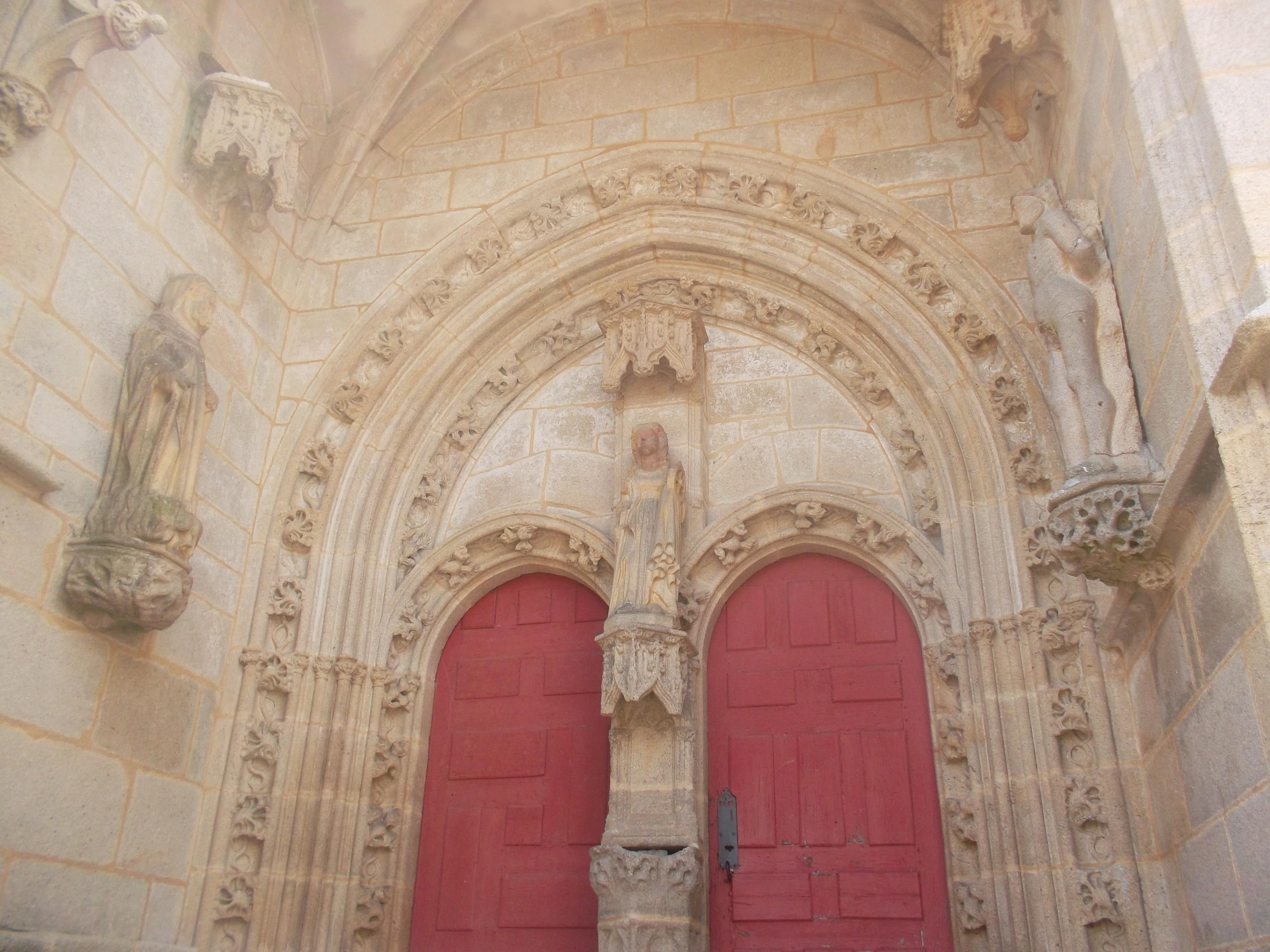 kernascleden-eg-notre-dame-de-kernascleden-fr-portico-door-jun13