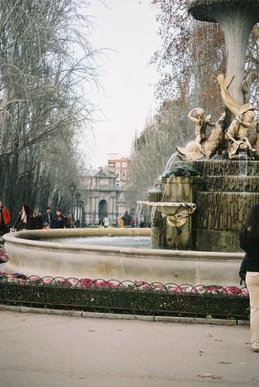 madrid-retiro-park-fuente-de-galapagos-and-puerta-alcala-24jan10