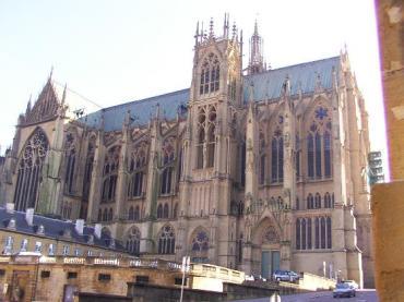 metz-cathedral-saint-etienne-closer-view