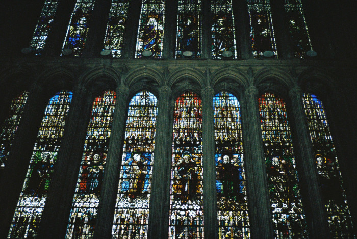 metz-stained-glass-left-wall