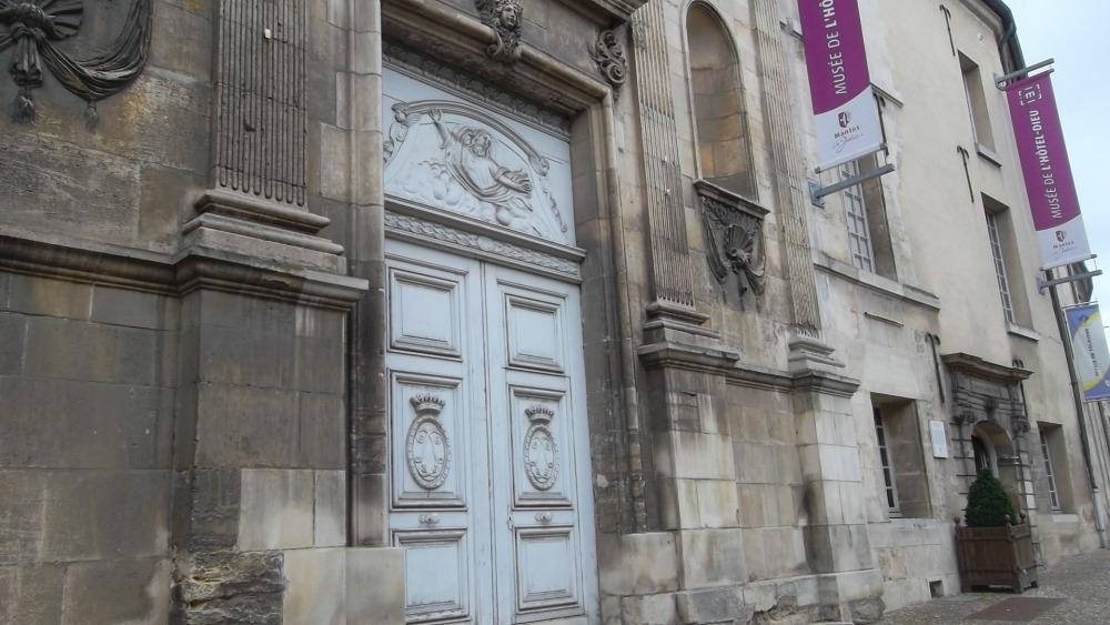 mlj-front-hotel-dieu-museum-jun12