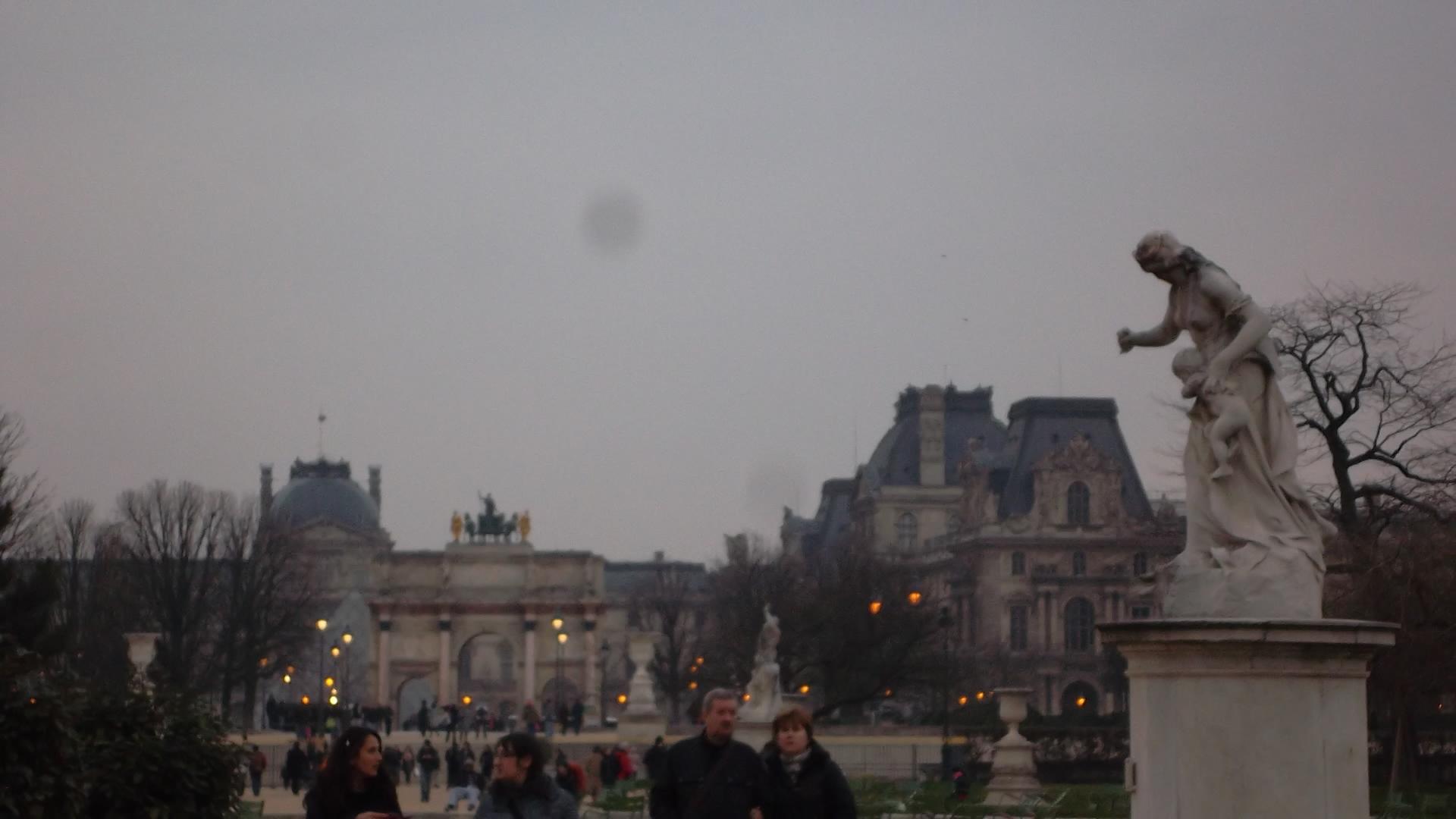 paris-arc-du-carrousel-louvre-mar13