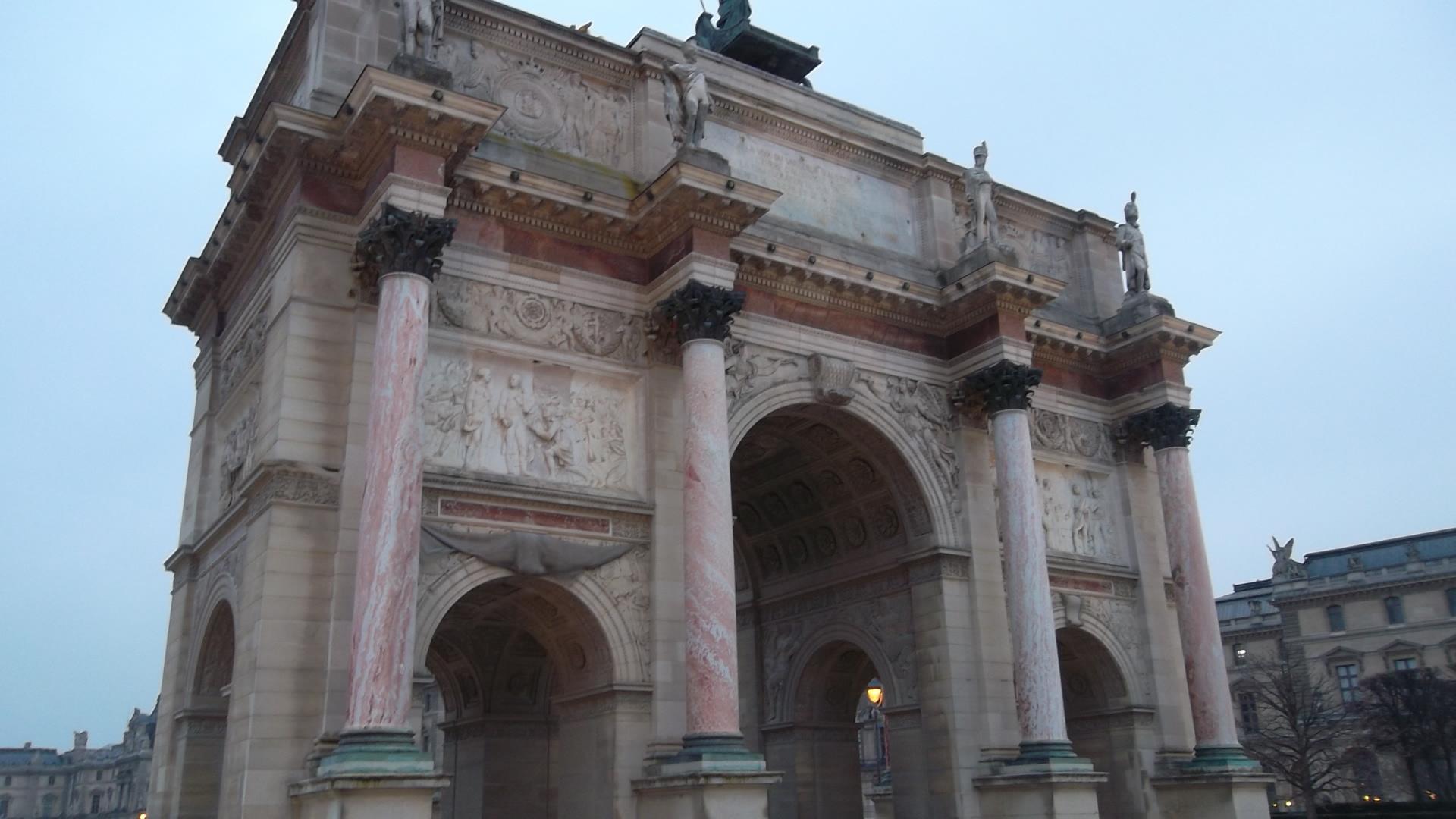 paris-arc-du-carrousel-south-mar13