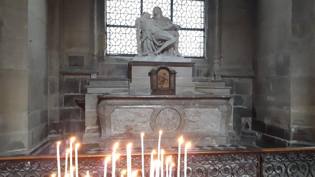 paris-ch-st-merri-fallen-christ-chapel-nov19