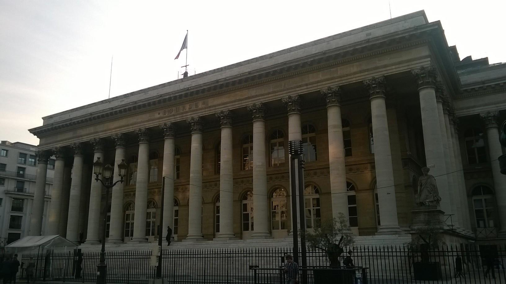 paris-palais-de-brongniart-front-sep16