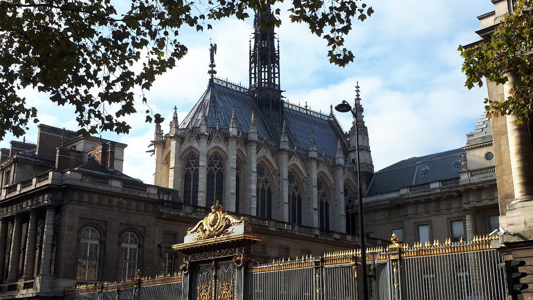 paris-sainte-chapelle-front-side-nov19