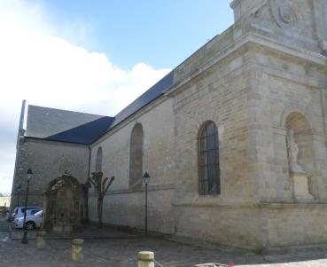 port-louis-ch-notre-dame-de-l-assomption-left-fountain-feb15