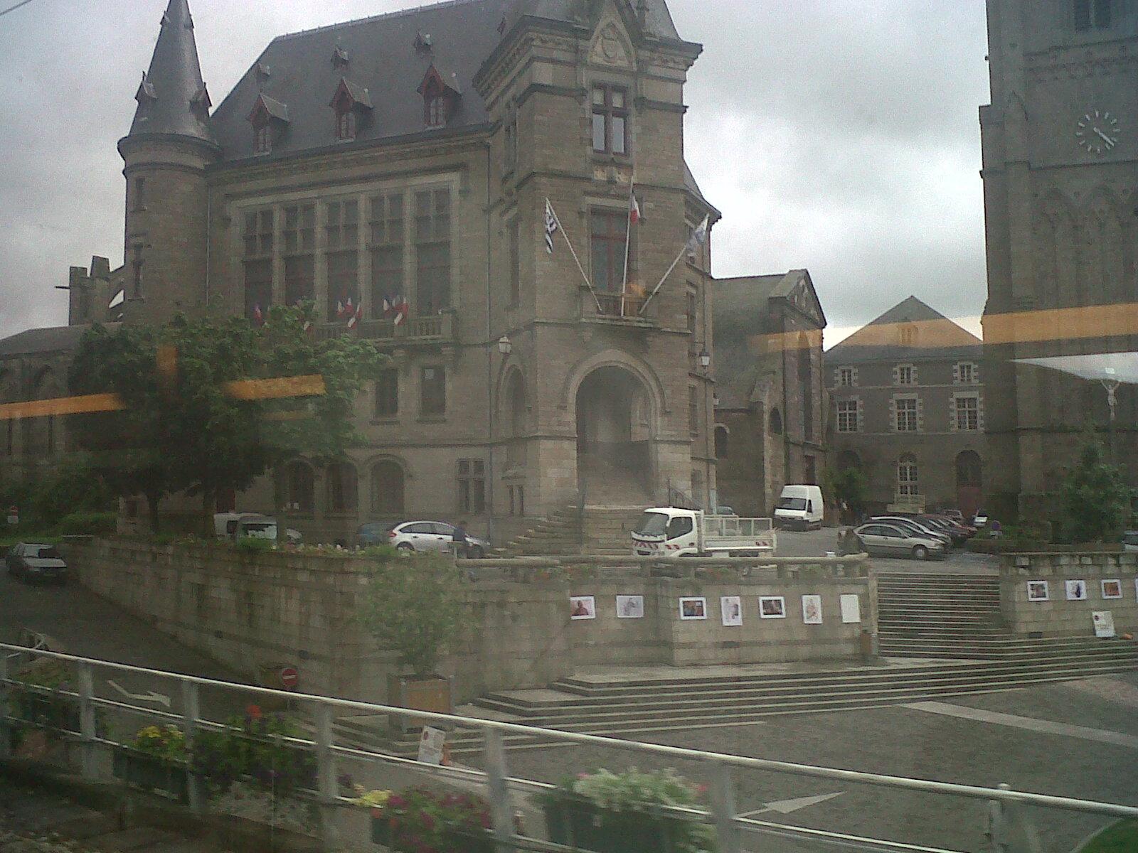 redon hotel de ville train passing jun12
