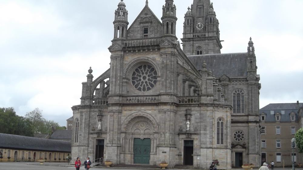 st-anne-d-auray-basilica-jun12