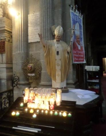 ste-anne-d-auray-pope-john-paul-ii-statue-jul17