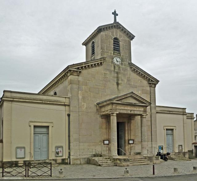 Versailles-eglise-Sainte-Elizabeth-front-jan12