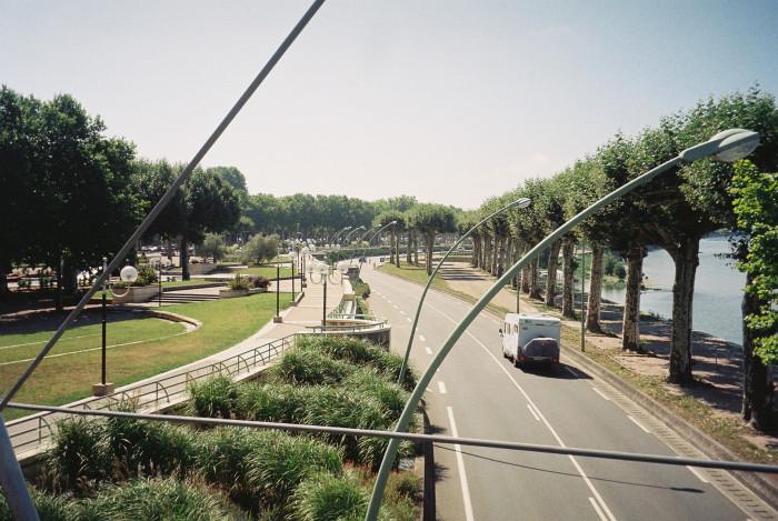 agen-passarelle-quai-boudin-over-the-garonne-pont-canal-1